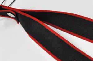 平織り?袋織り?ネックストラップの紐の織り方の違いとは