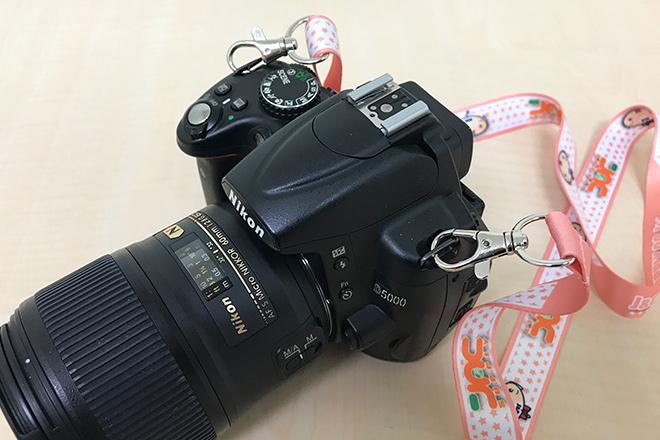 ネックストラップカメラ